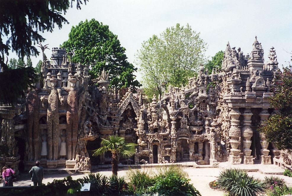 """Le Palais Ideal"" – idealny pałac Ferdinanda Cheval"