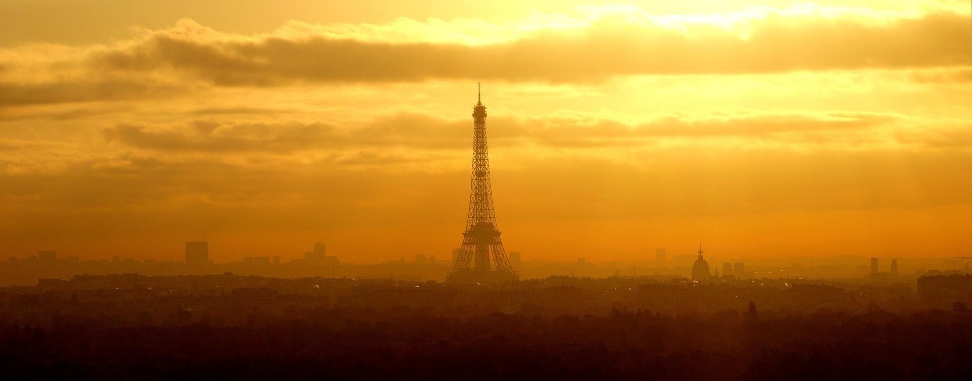 Symbol Paryża – wieża Eiffla